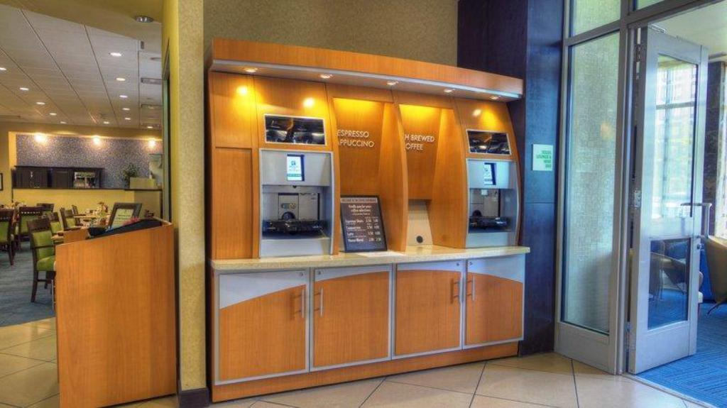 More about Holiday Inn Phoenix Airport