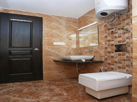 Banyo OYO 1679 Value Hotel