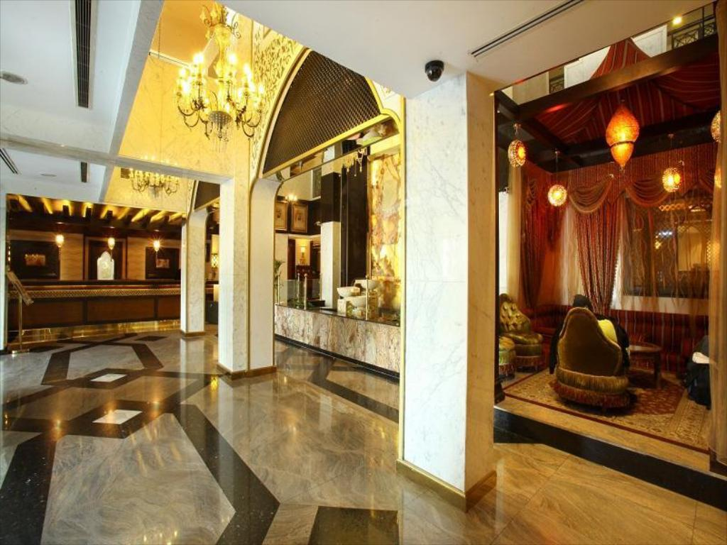 Lobby Arabian Courtyard Hotel & Spa