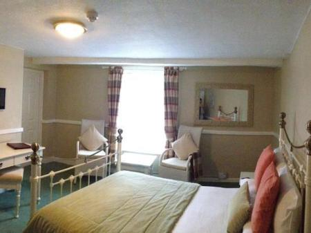 Double Room with Bath George Hotel