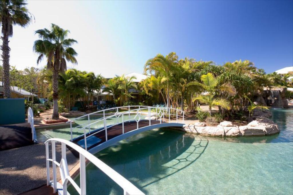 Best price on breakfree diamond beach resort in gold coast reviews for Ecr beach resorts with swimming pool prices