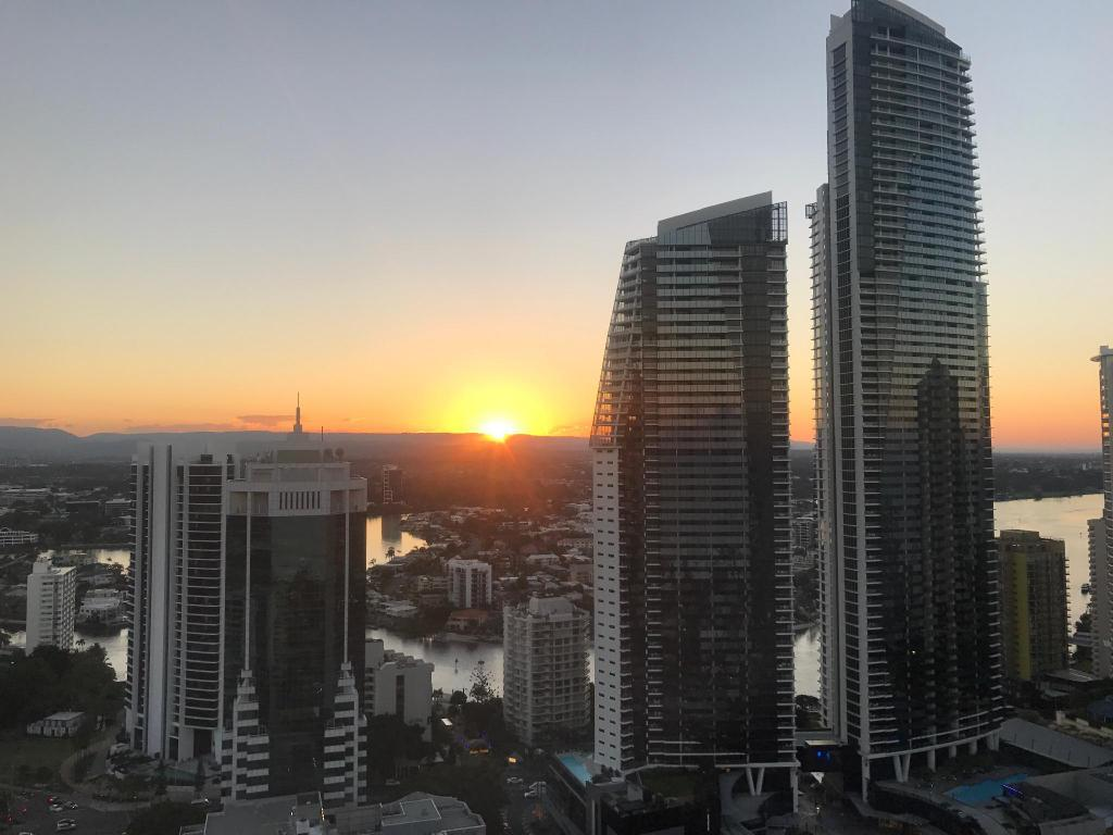 Deluxe Hinterland View Room with King Bed - View Novotel Surfers Paradise
