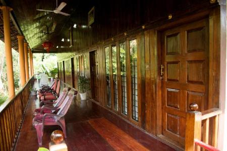 Vestabils Backwater Retreat Homestay