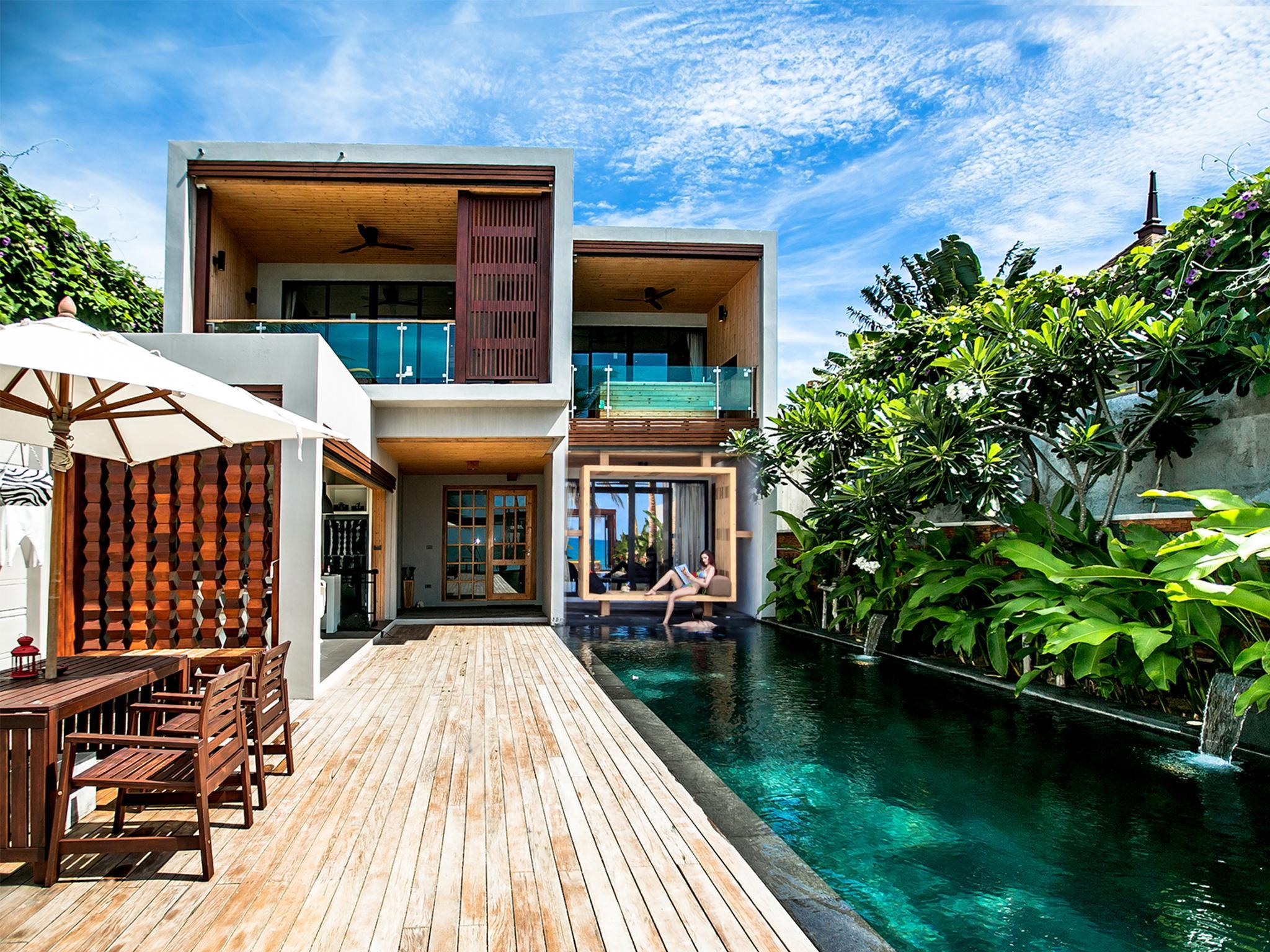 Pavilion Beach Front Pool Residence