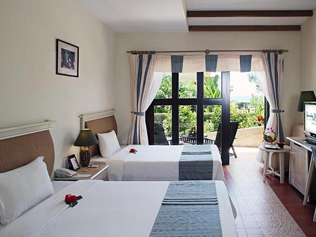 Bungalow Garden View Bed Centara Sandy Beach Resort Da Nang