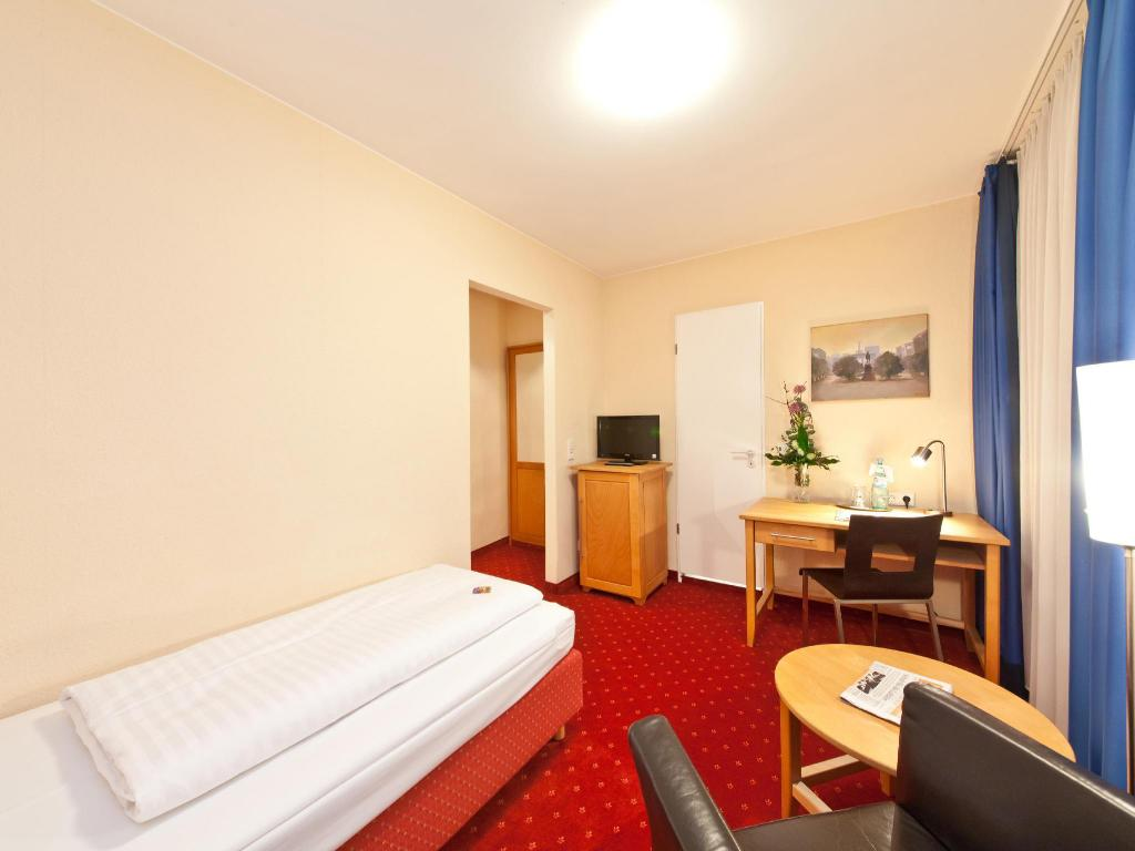 Standard Single Room - Room plan Novum Hotel Gates Berlin Charlottenburg