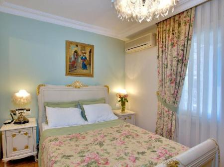 Economy Double Room Alzer