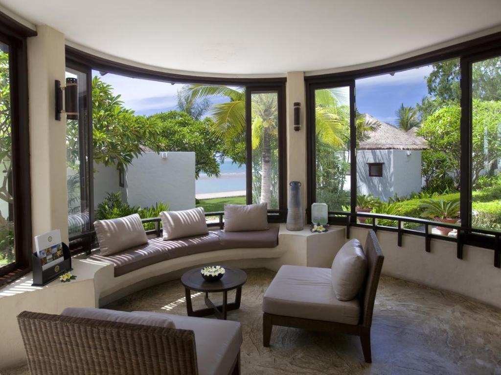 Aleenta Frangipani Beachfront Luxury Boutique Resort Pranburi