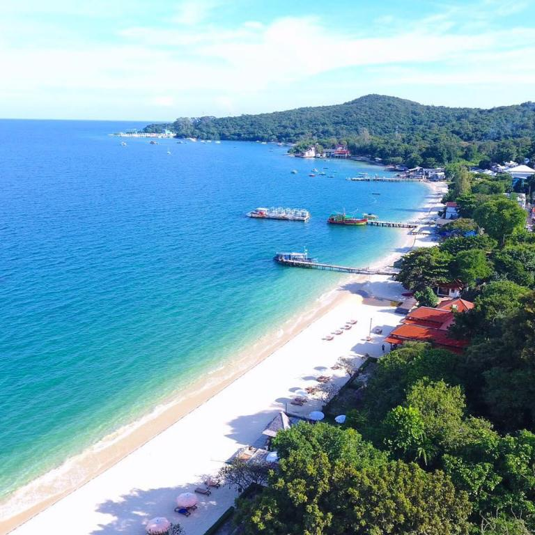 Beach Mooban Talay Resort