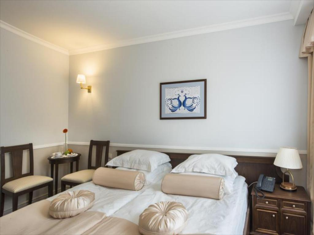 Standard Double or Twin Room with Terrace Aglaya Hotel and Courtyard