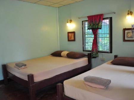 Standard Fan - Bed Coral Bungalows