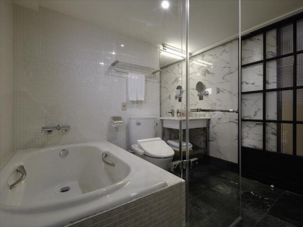 Red Dot Hotel In Taichung Room Deals Photos Reviews