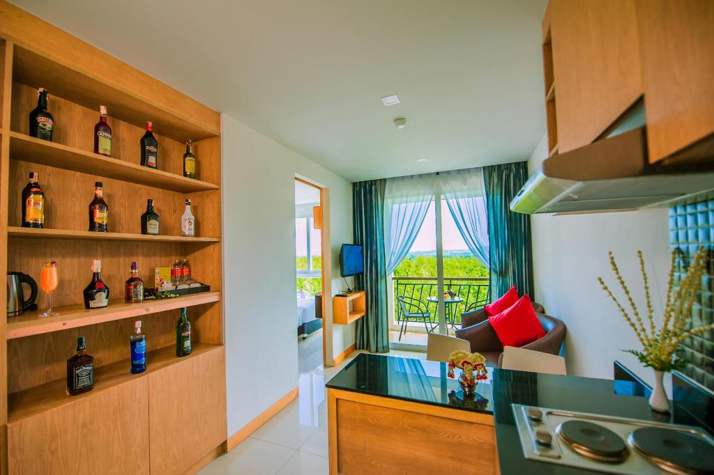 Studio Deluxe med balkong The Jasmine Nai Harn Beach Resort and Spa