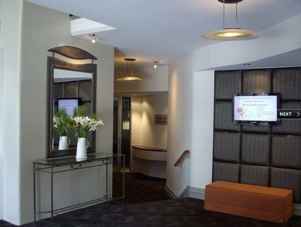 Lobby Airport International Motel Brisbane