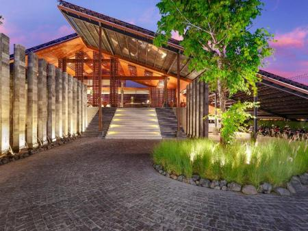 Entrance The Santai Villas