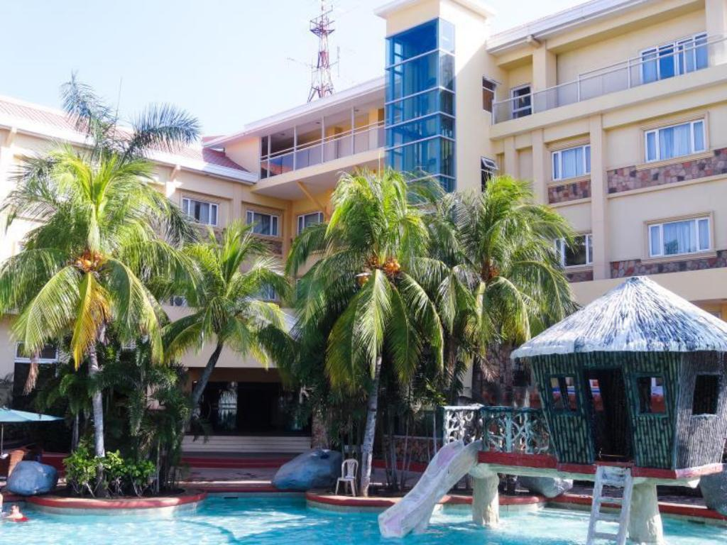 Tanza Oasis Hotel And Resort In Cavite Room Deals Photos Reviews