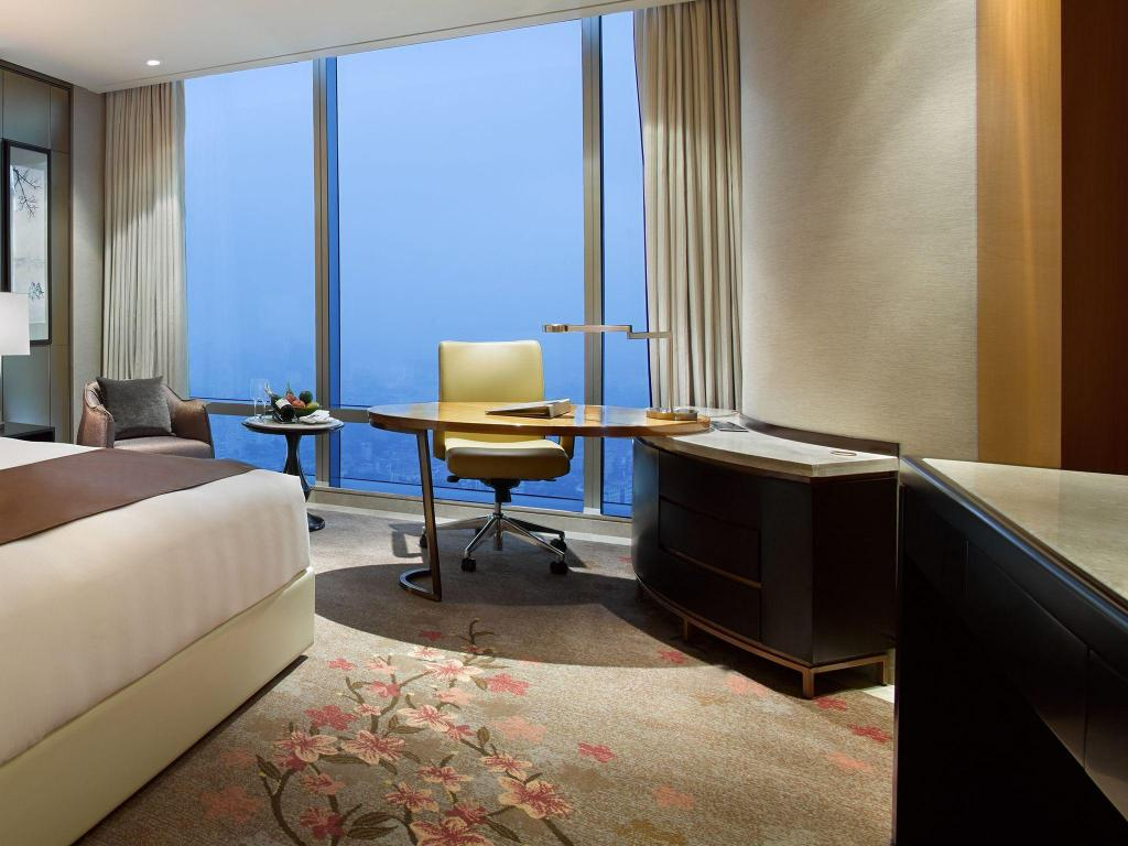 Deluxe King - View Lotte Hotel Hanoi