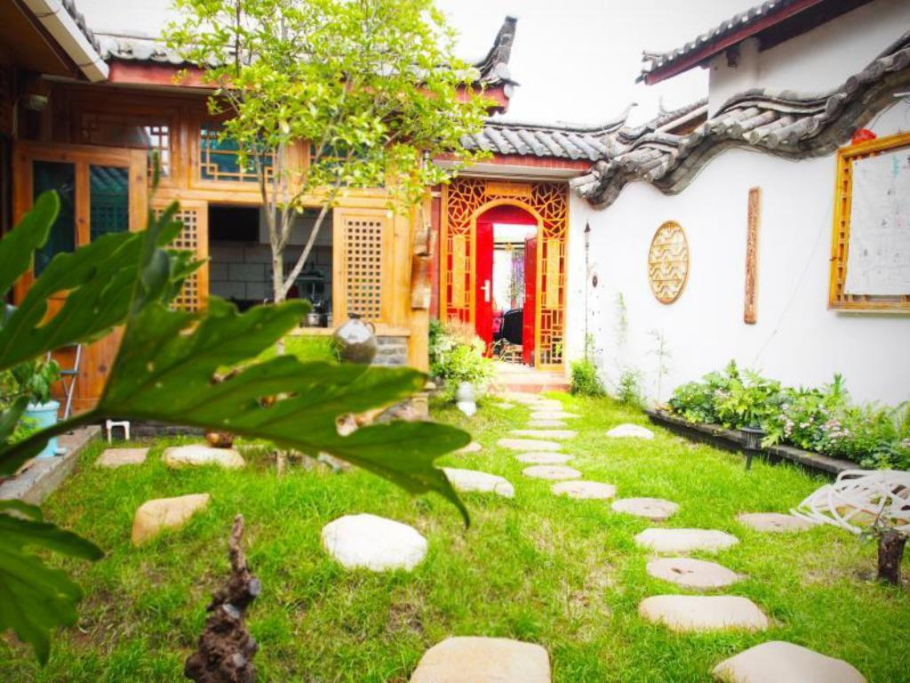 More about Lijiang October Inn