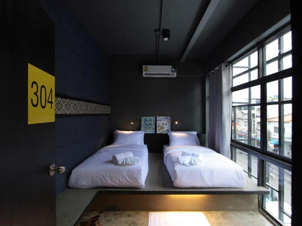 Twin Room with Shared Bathroom Fulfill Phuket Hostel