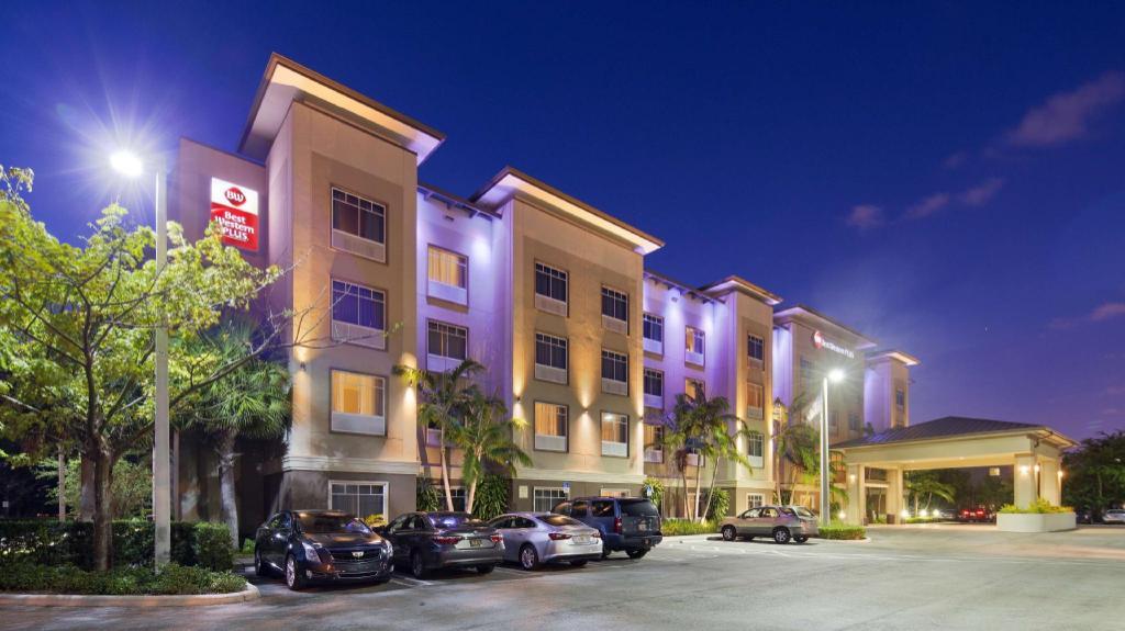 Best Western Plus Miami Airport North Hotel & Suites in Miami (FL) - Room Deals, Photos & Reviews
