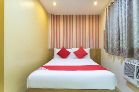 Standard Double Room - View OYO 139 Starlight Bed and Breakfast