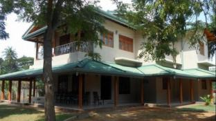Alketha Holiday Bungalow