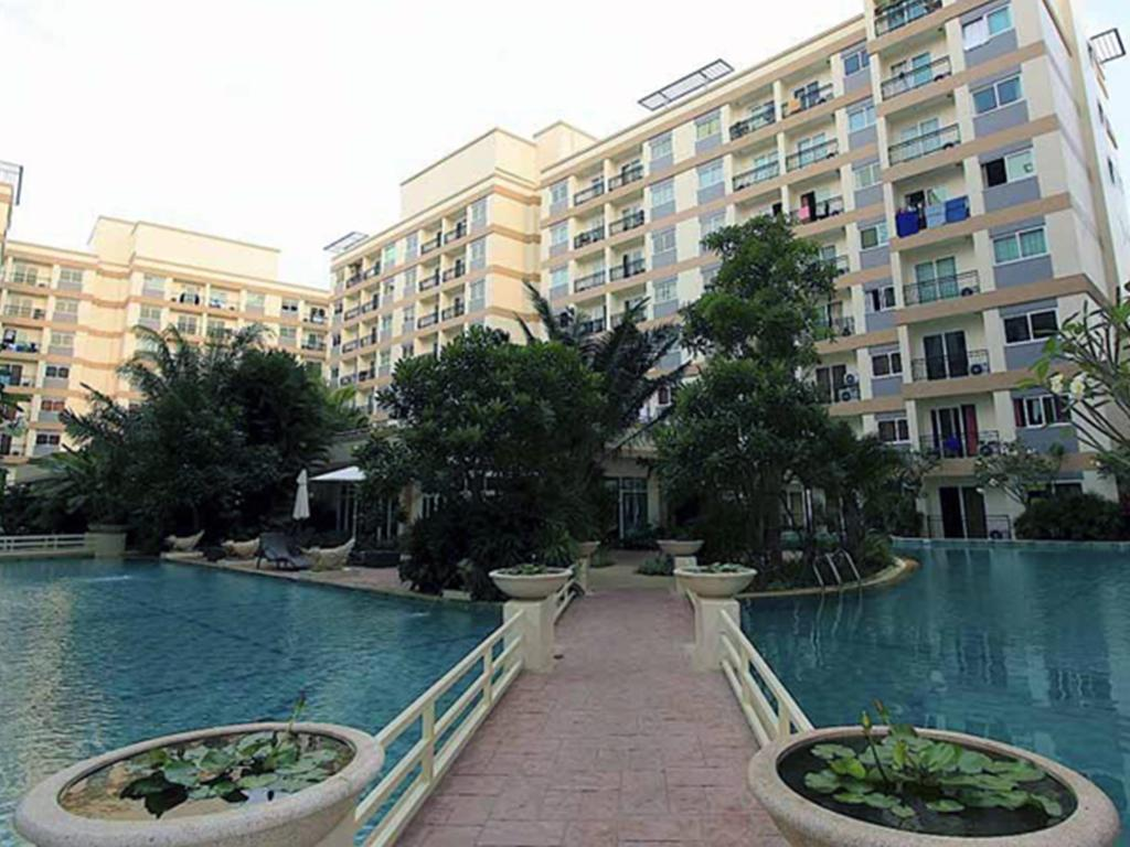 More about Park Lane Jomtien Resort by Chris