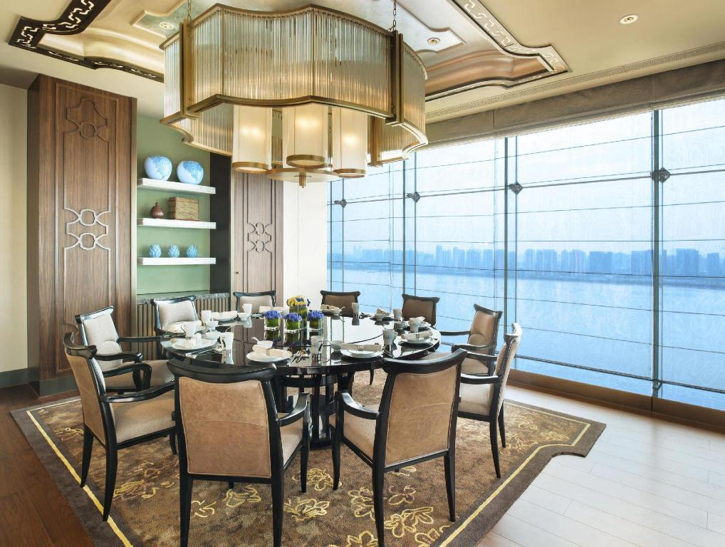 Vista interior The Azure Qiantang a Luxury Collection Hotel Hangz (The Azure Qiantang a Luxury Collection Hotel Hangzhou)