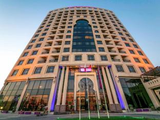 Mercure Grand Hotel Seef Hotel
