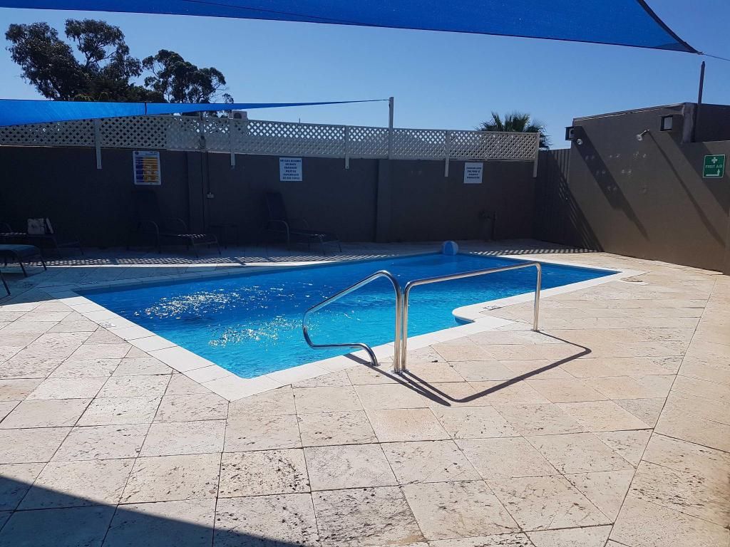 Swimming pool [outdoor] Mandurah Foreshore Motel