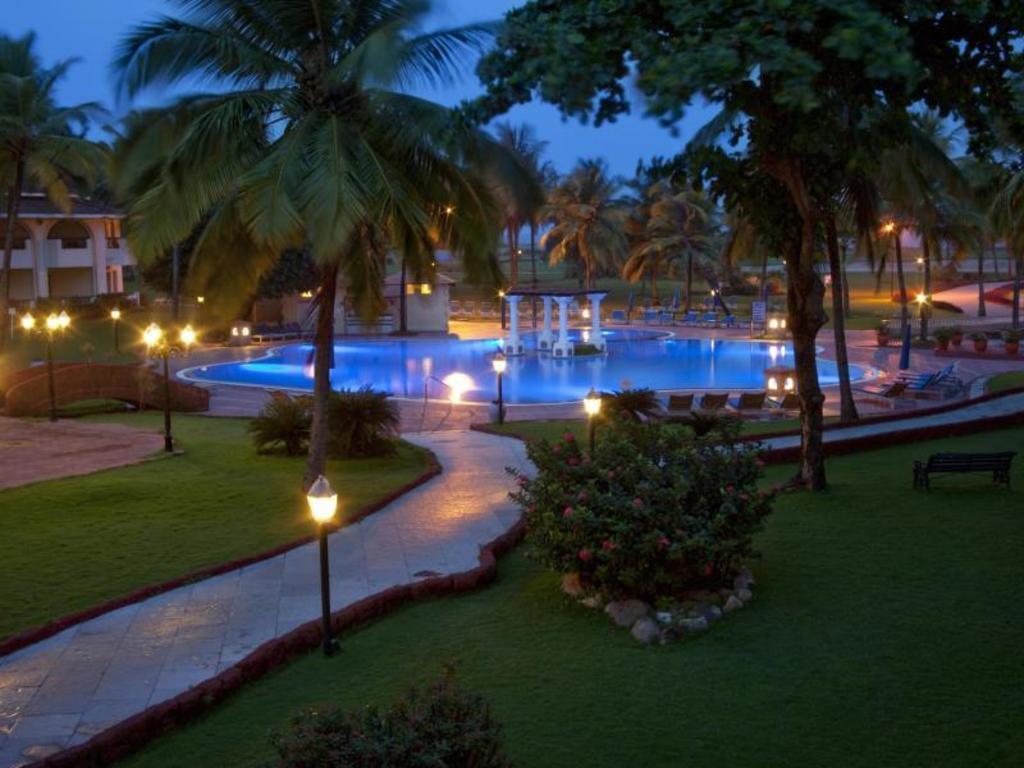 Best Price On Holiday Inn Resort Goa In Goa Reviews