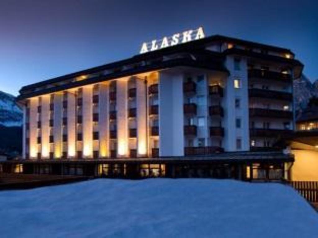 Best Price on Hotel Alaska Cortina in Cortina d'Ampezzo + Reviews