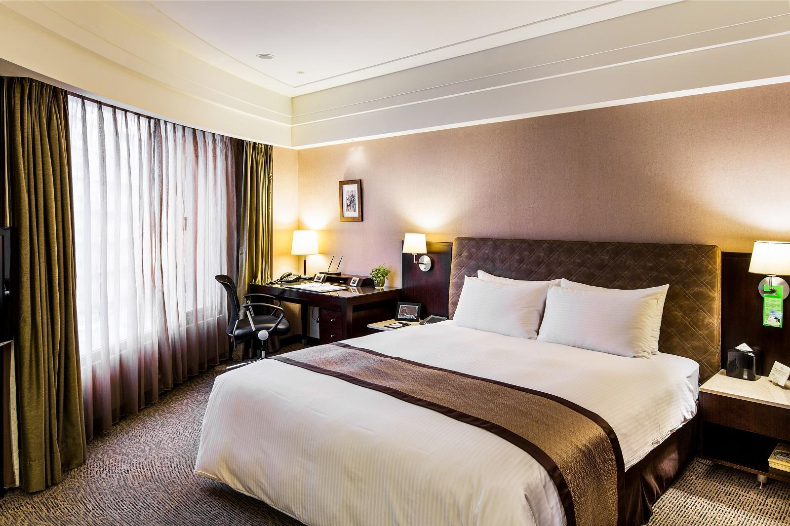 Kamar Grand Forward di Sudut (Grand Forward Corner Room)