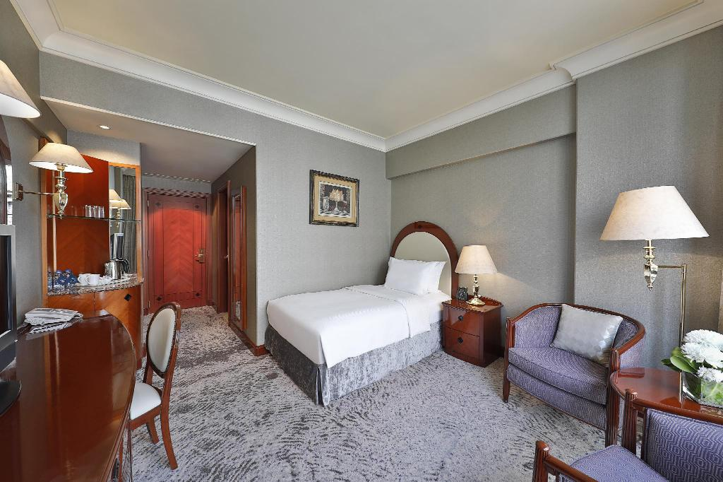 Single Hilton Guest Room - Bed Madinah Hilton