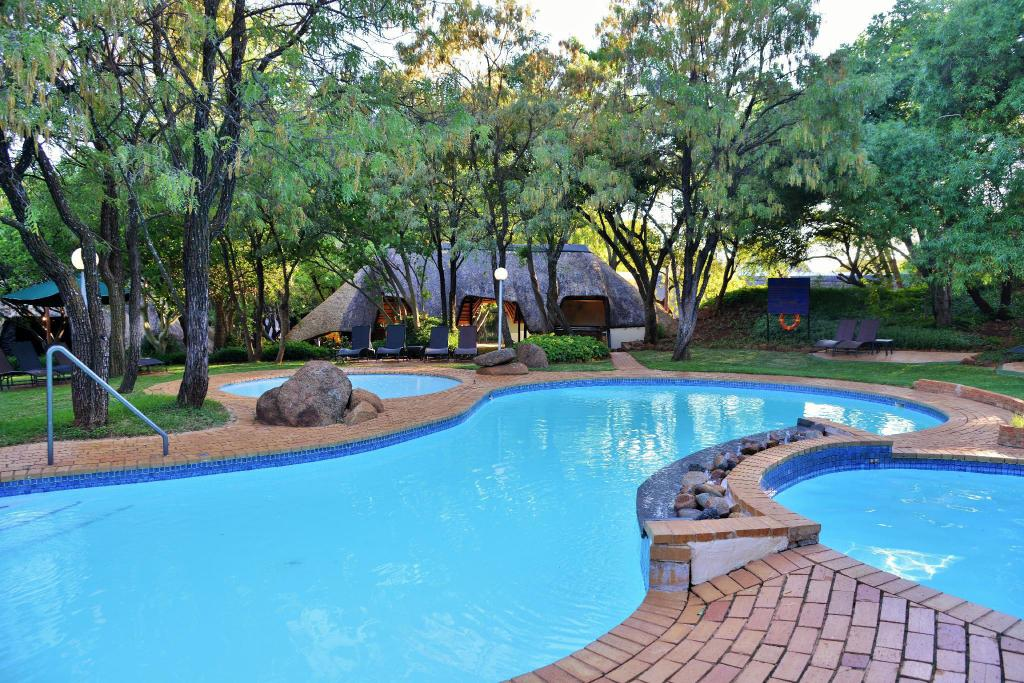 Swimming pool [outdoor] Kwa Maritane Bush Lodge
