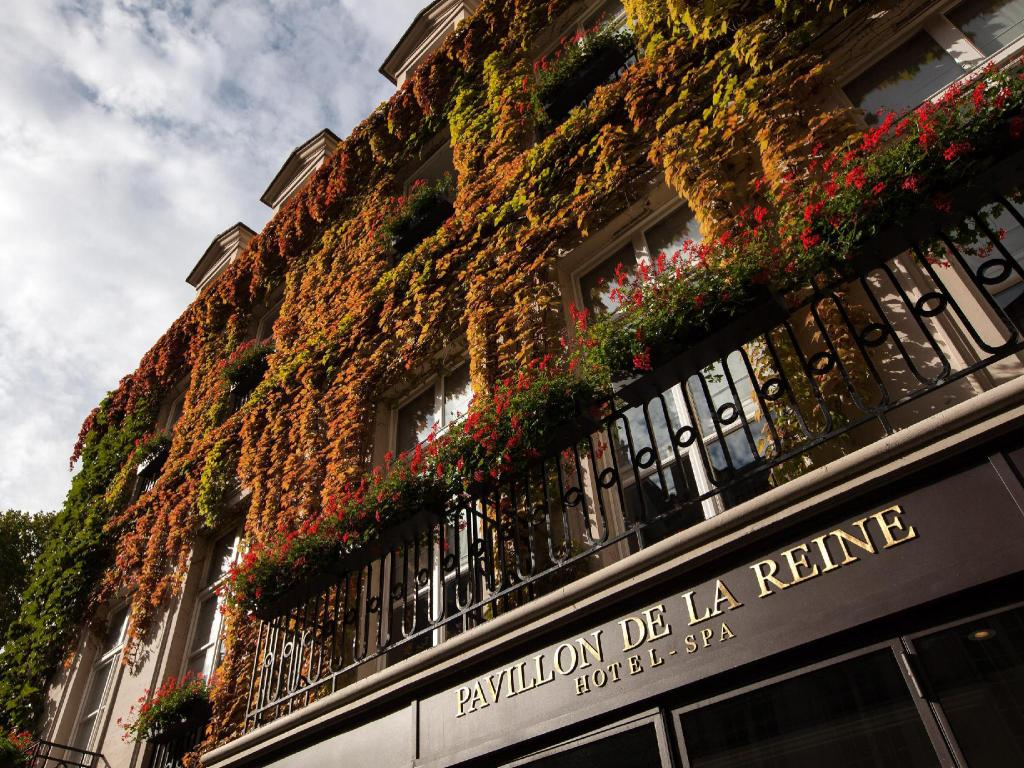 More about Le Pavillon de la Reine Hotel