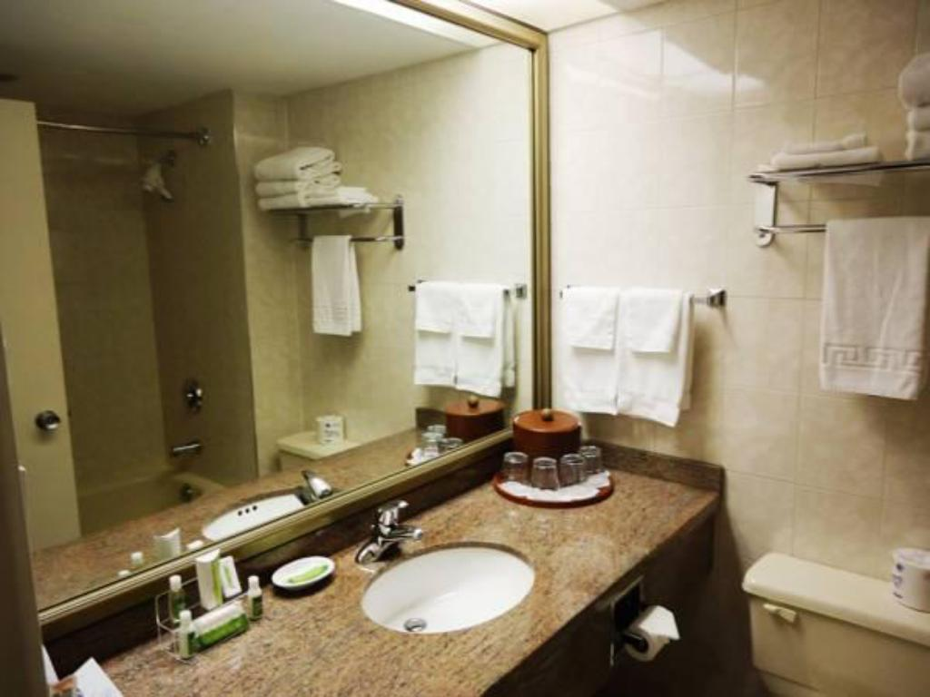 Bathroom Capital Hill Hotel & Suites
