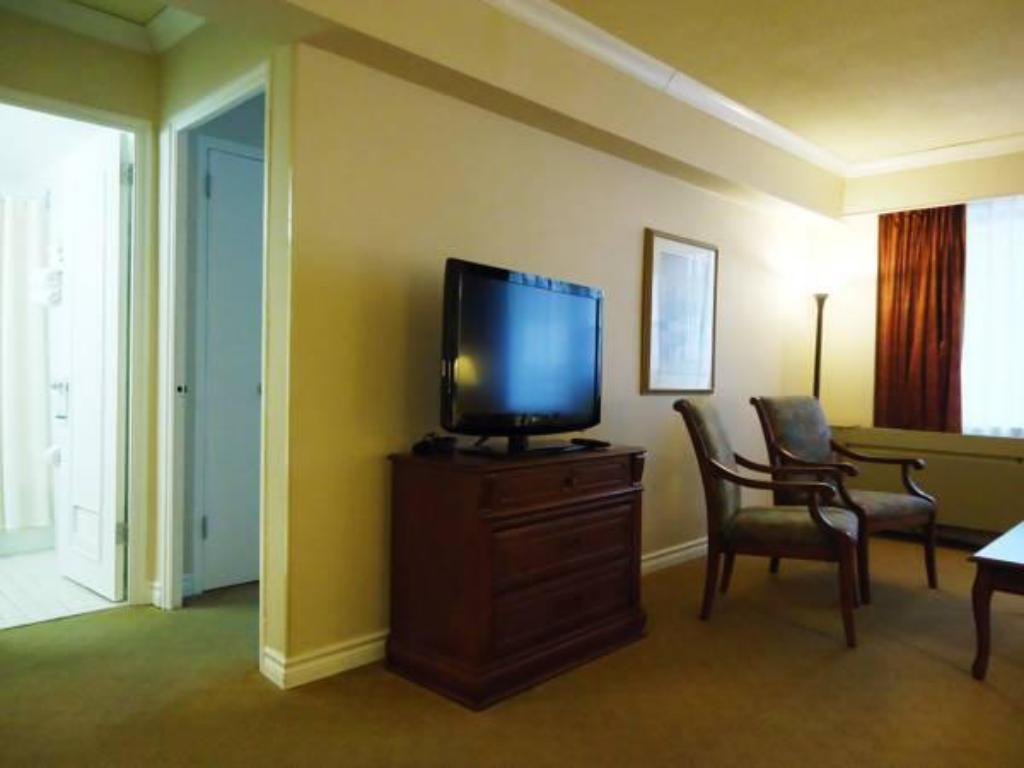 Interior view Capital Hill Hotel & Suites