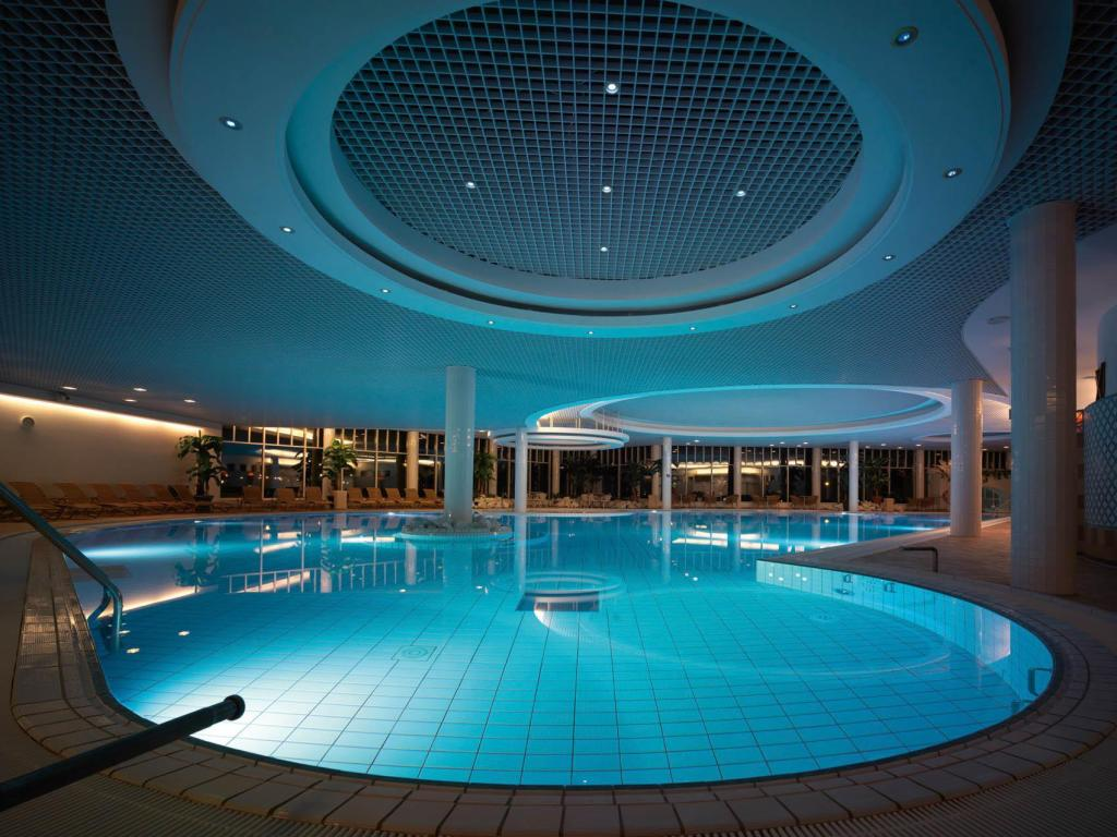 Swimming pool Naantali Spa Hotel