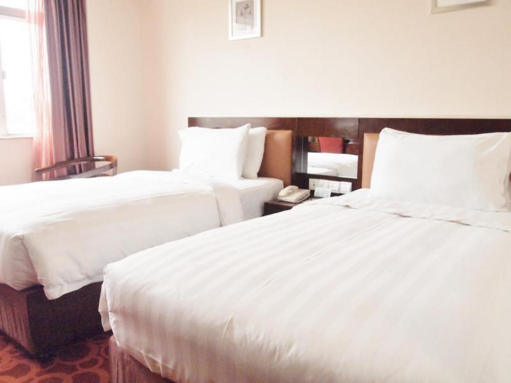 Standard - Bed Grand Dragon Hotel