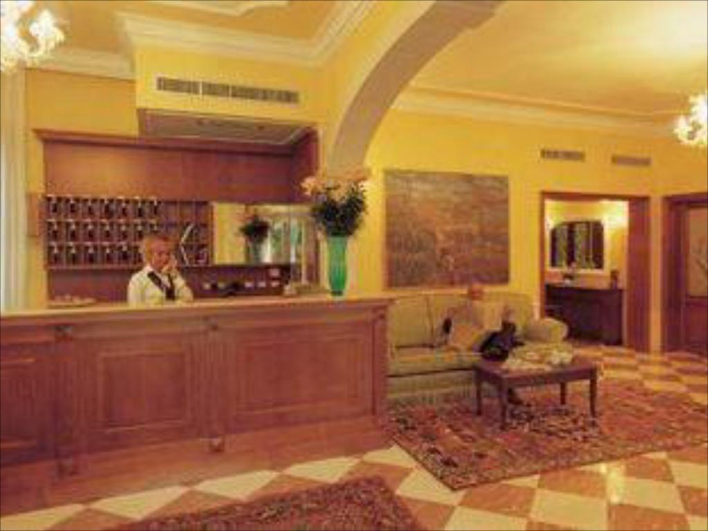 Reception Hotel Villa Cipro