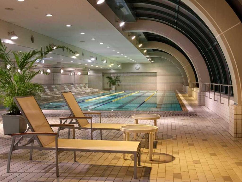 Swimming Pool Hotel Agora Regency Osaka Sakai