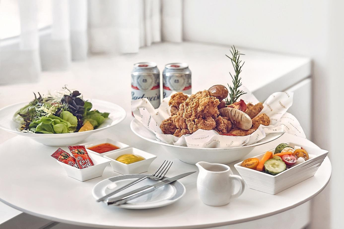 Deluxe Twin Mountain View - Breakfast and Chicken Beer Set Included