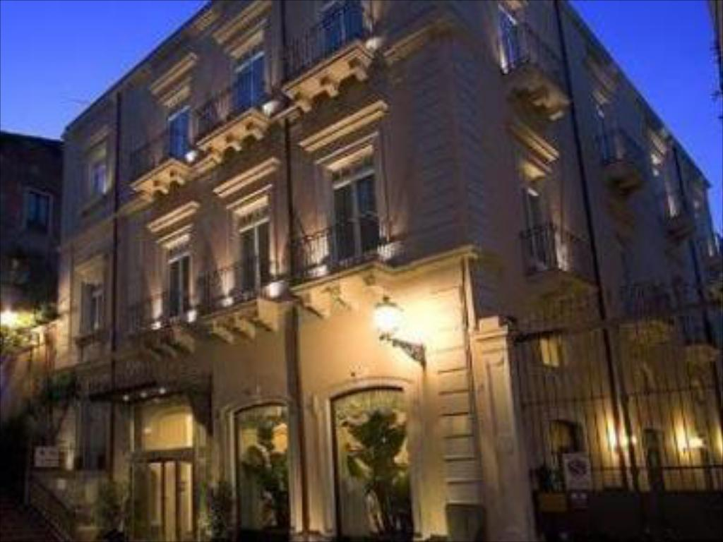 il principe hotel catania in italy room deals photos. Black Bedroom Furniture Sets. Home Design Ideas