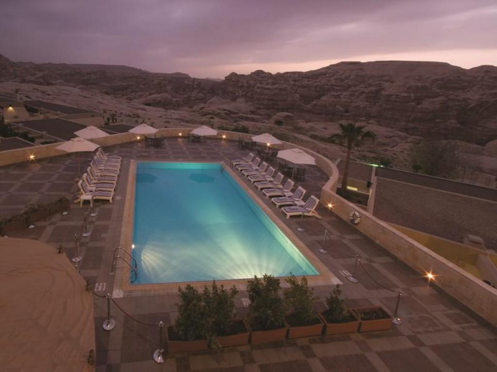 Peldbaseins Crowne Plaza Resort Petra