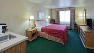 Country Inn & Suites by Radisson, Sparta, WI