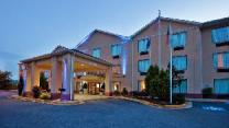 Holiday Inn Express Hotel & Suites Hiawassee