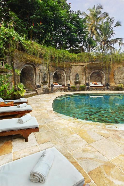 Lobi Warwick Ibah Luxury Villas & Spa