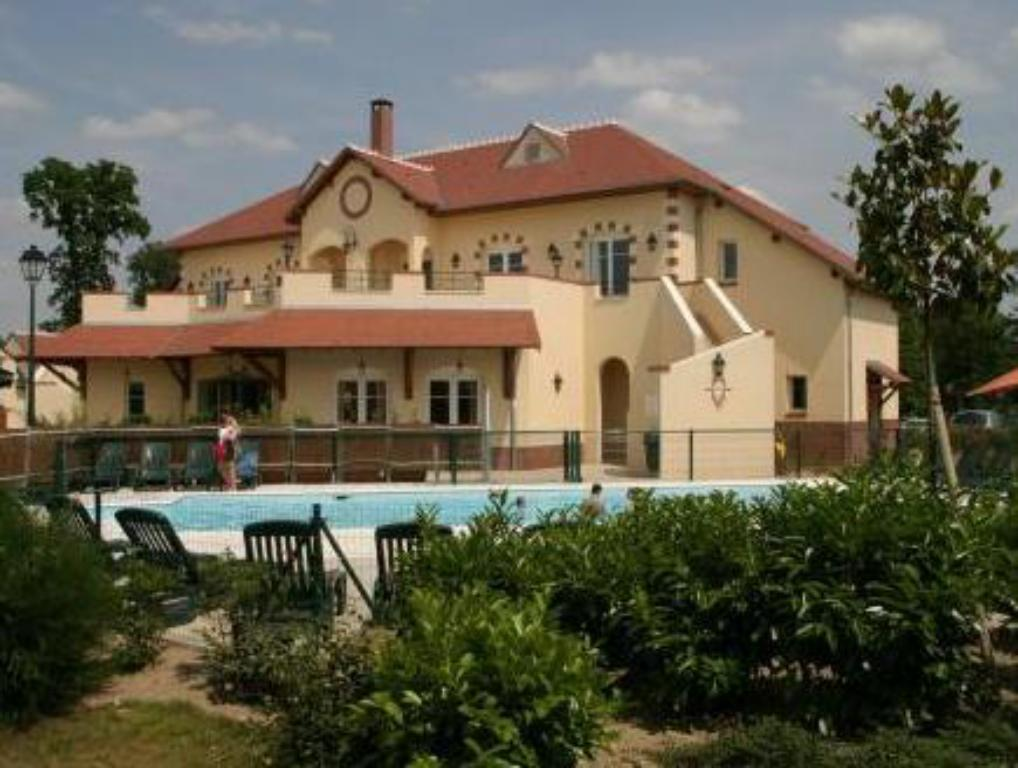 Best Price On Hotel Les Portes De Sologne Golf And Spa In SaintJean - Hotel les portes de sologne