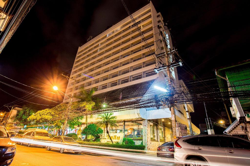 More about Pailyn Phitsanulok Hotel